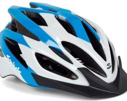 Capacete de ciclismo com proteção na nuca e regulagem de tiras