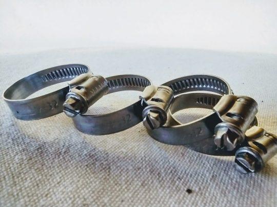 Abraçadeira de garfos sem furação rosca sem fim de 22 a 32 mm em inox